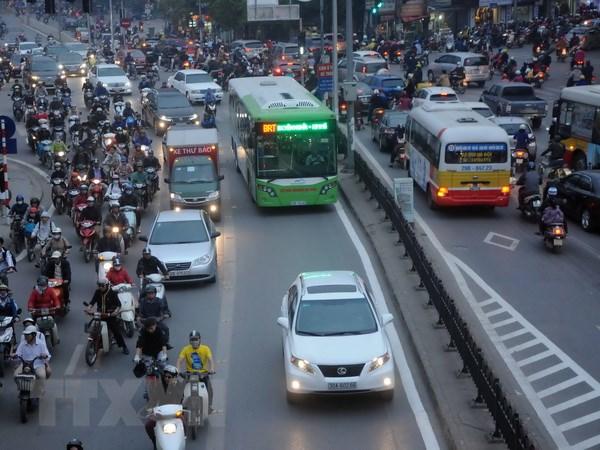 Thay 16 xe buyt chat luong cao cho tuyen Bo Ho-Cau Giay-Bo Ho hinh anh 1