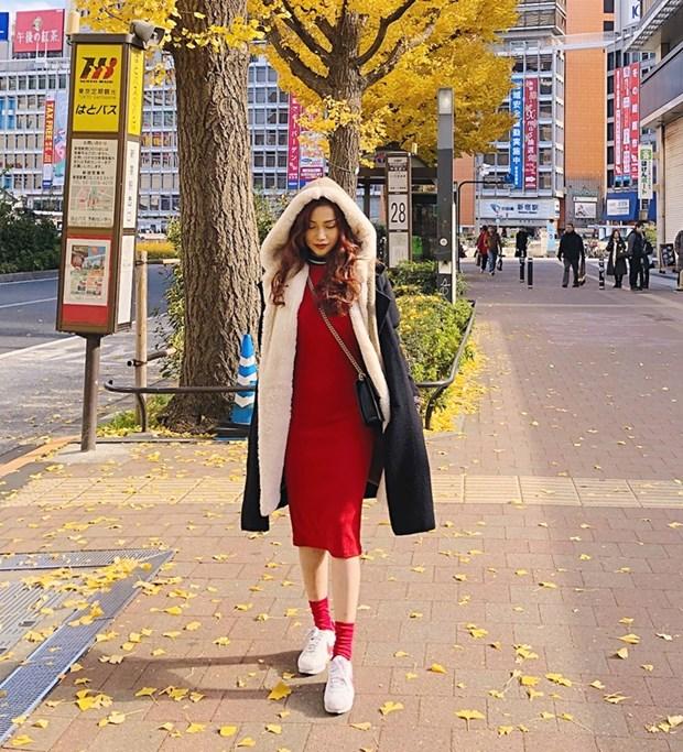 Street style ngap tran ao khoac dang dai cua my nhan Viet tuan qua hinh anh 5