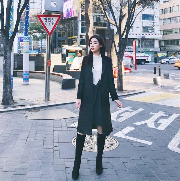 Street style ngap tran ao khoac dang dai cua my nhan Viet tuan qua hinh anh 6