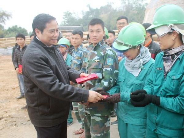 Dong chi Pham Minh Chinh tham, chuc Tet tai tinh Quang Ninh hinh anh 1