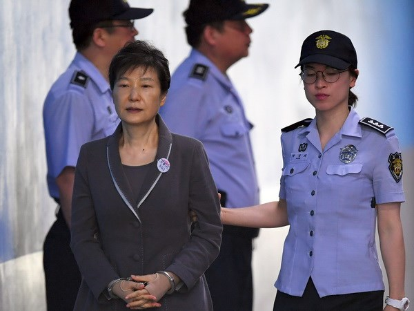 Cuu Tong thong Park Geun-hye bi de nghi muc an 30 nam tu hinh anh 1