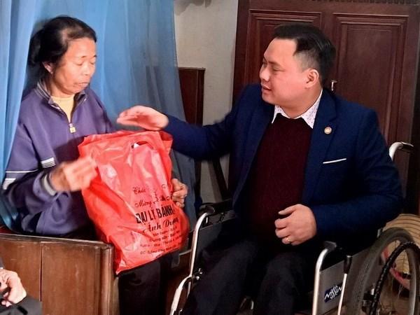 Luong y Tran Quang Dung: Tam guong vuot len tren so phan hinh anh 1