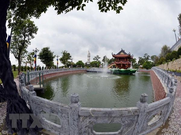 Quang Ninh: Chua Ba Vang tu y dap dap, ngan nuoc suoi Lung Xanh hinh anh 1