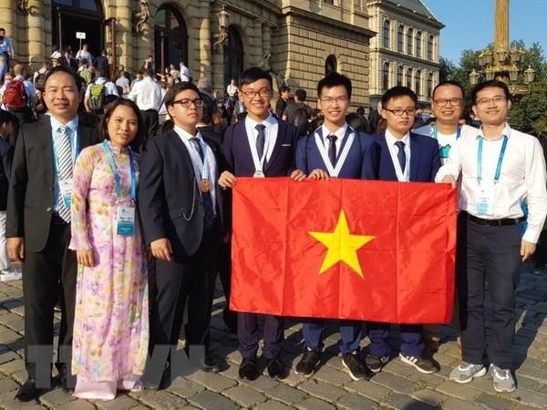 4 thi sinh Viet Nam tham du Olympic Hoa hoc deu gianh huy chuong hinh anh 1