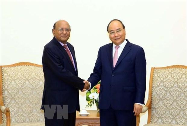 Thu tuong Nguyen Xuan Phuc tiep Bo truong Thuong mai Bangladesh hinh anh 1