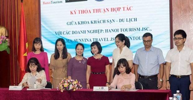 Khoa Khach san-Du lich Dai hoc Thuong mai hop tac voi 5 cong ty hinh anh 2