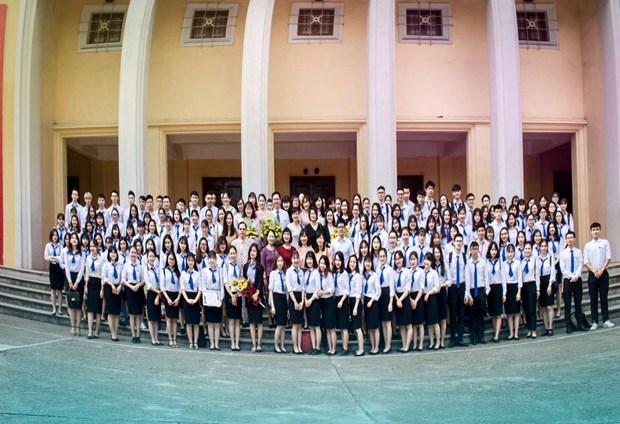 Khoa Khach san-Du lich Dai hoc Thuong mai hop tac voi 5 cong ty hinh anh 3