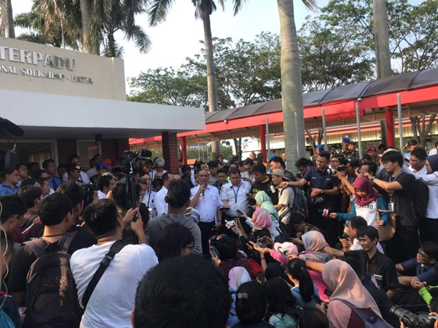 Vu roi may bay tai Indonesia: Da tim thay 6 thi the nan nhan hinh anh 1