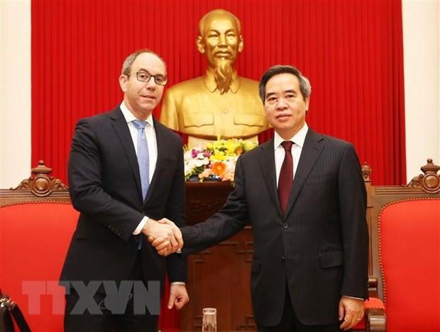 Truong ban Kinh te TW tiep Pho Truong Dai dien Thuong mai Hoa Ky hinh anh 1