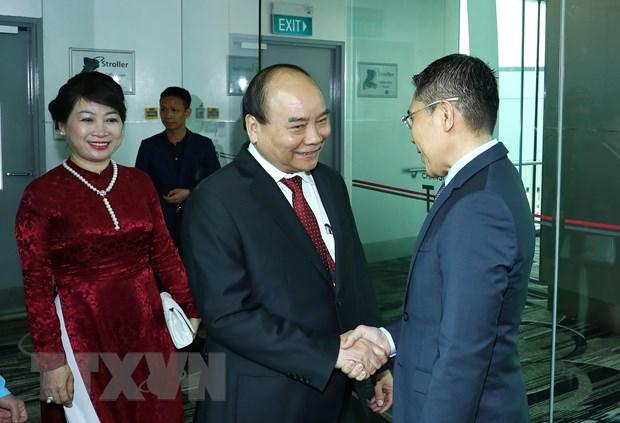 Thu tuong Nguyen Xuan Phuc den Singapore du Hoi nghi Cap cao ASEAN hinh anh 1