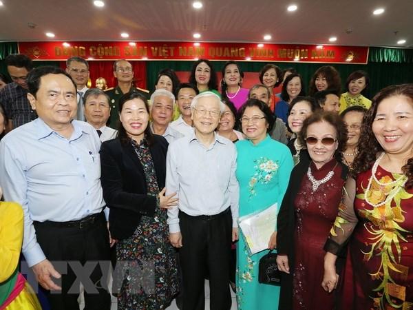Tong Bi thu, Chu tich nuoc du Ngay hoi dai doan ket tai noi cu tru hinh anh 1