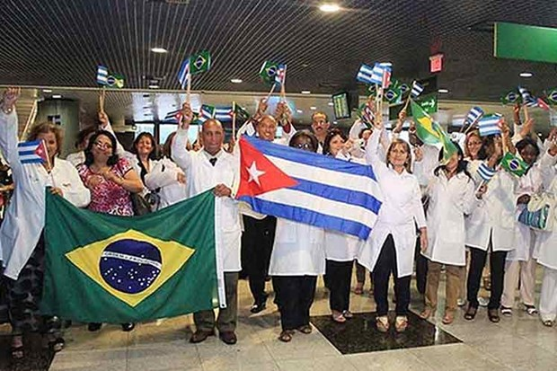 Cuba tuyen bo ngung chuong trinh hop tac y te voi Brazil hinh anh 1