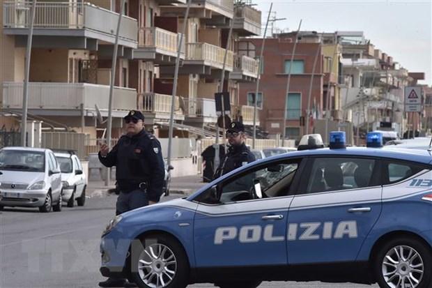 Italy triet pha duong day mafia gian lan danh bac quoc te hinh anh 1