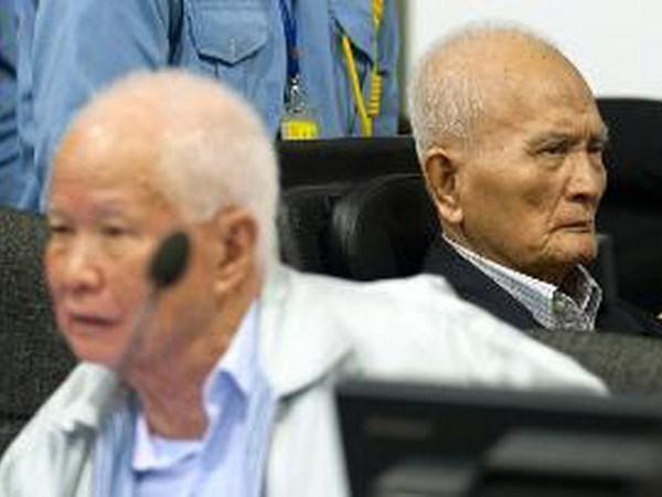ECCC phan quyet cac cuu lanh dao Khmer Do pham toi diet chung hinh anh 1