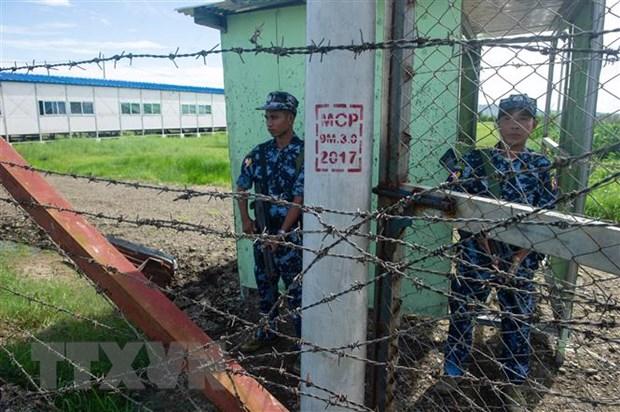 Myanmar: Hang chuc canh sat thuong vong vi bi tap kich bat ngo hinh anh 1