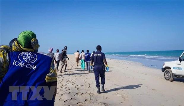 Cuu duoc 16 nguoi trong vu dam thuyen ngoai khoi Djibouti hinh anh 1