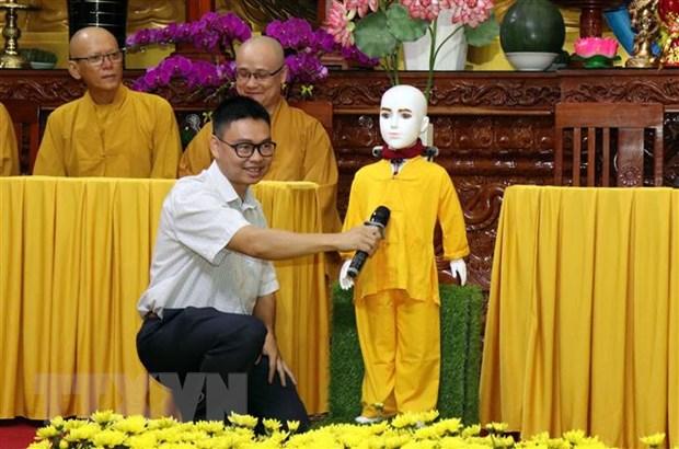Ra mat Robot chu Tieu Giac Ngo 4.0 giai dap cau hoi ve Phat phap hinh anh 1