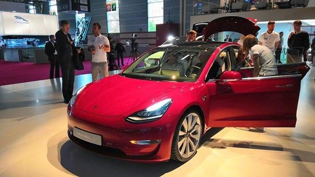 Tesla se gioi thieu mau SUV dien moi vao giua thang Ba hinh anh 1