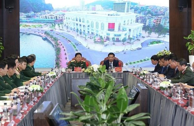Bo truong Bo Quoc phong Ngo Xuan Lich lam viec tai tinh Quang Ninh hinh anh 1