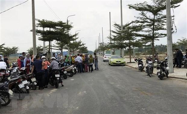 Quang Nam: Hang tram nguoi dan doi quyen loi khi mua dat hinh anh 1