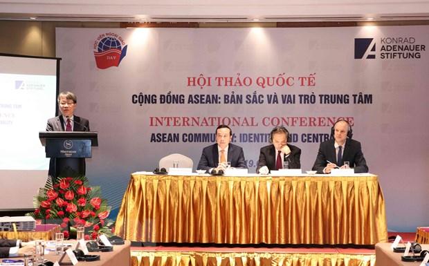 Hoi thao quoc te Cong dong ASEAN: Ban sac va vai tro trung tam hinh anh 1