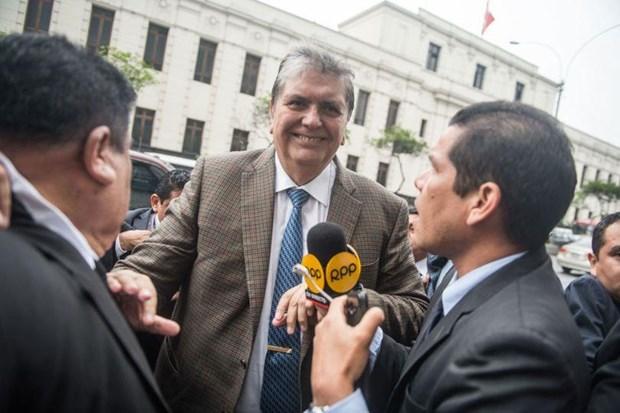 Cuu Tong thong Peru A. Garcia tu sat trong khi bi dieu tra hinh anh 1