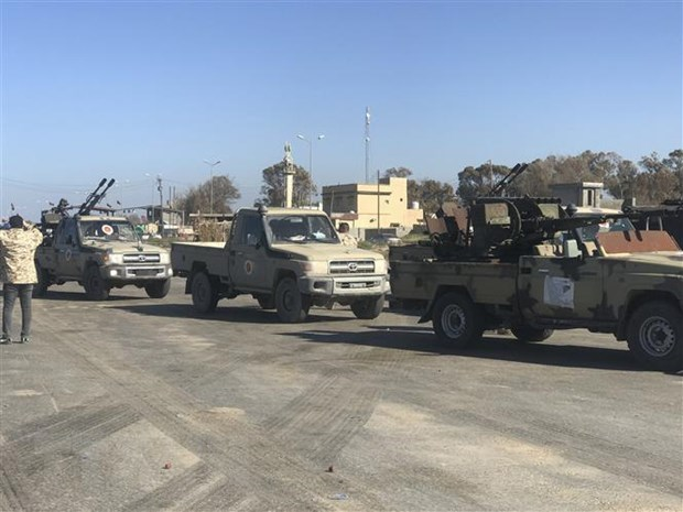 Libya: Trung tam thu do Tripoli bi tan cong bang rocket hinh anh 1