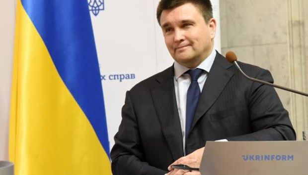 Ngoai truong Ukraine Pavlo Klimkin viet don xin tu chuc hinh anh 1