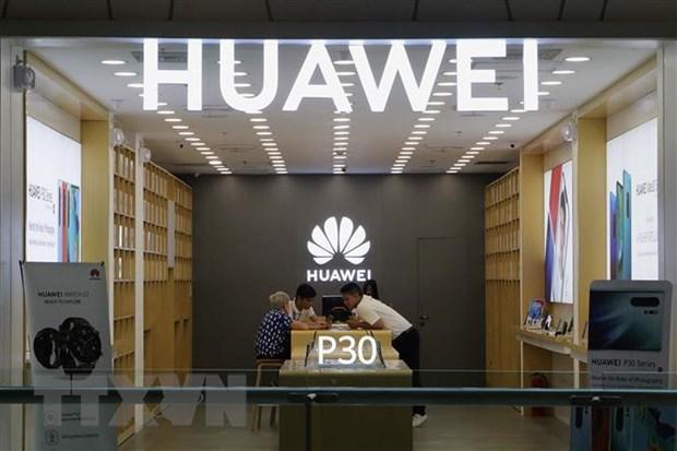 Trung Quoc canh bao hau qua neu Anh dong cua voi Huawei hinh anh 1