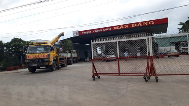 Tay Ninh: Tai xe bat can bi dien giat chet khi cau cay xanh hinh anh 1