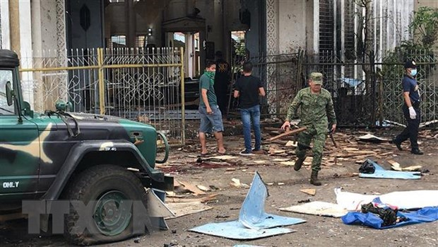 Mot cap vo chong Indonesia la thu pham vu danh bom tai Philippines hinh anh 1