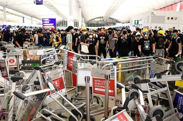 Hong Kong len an cac hanh dong bao luc cua nguoi bieu tinh cuc doan hinh anh 1