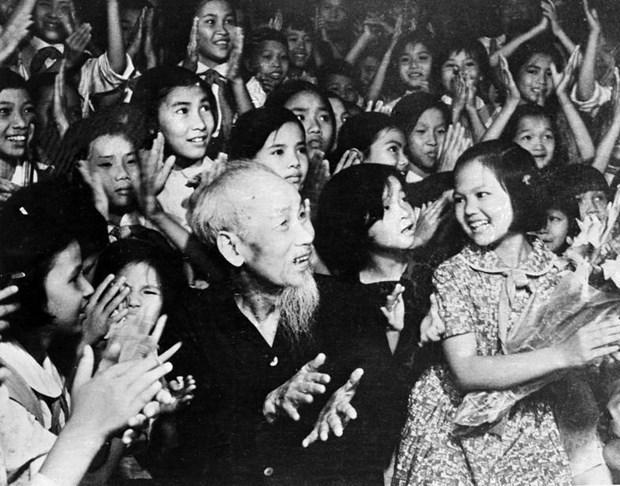 Chu tich Ho Chi Minh ban ve gia tri con nguoi Viet Nam hinh anh 1