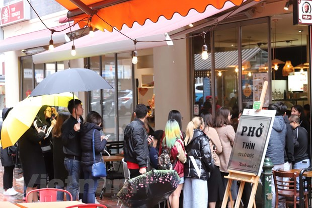 Pho Thin Ha Noi mang 90% huong vi truyen thong 'cap ben' Australia hinh anh 2