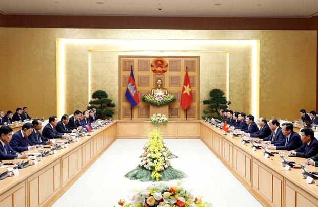 Thu tuong Nguyen Xuan Phuc hoi dam voi Thu tuong Campuchia Hun Sen hinh anh 1