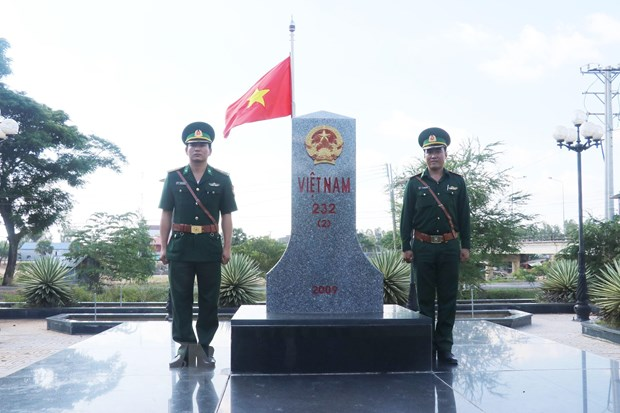 Vi duong bien gioi Viet Nam-Campuchia hoa binh, huu nghi, phat trien hinh anh 1