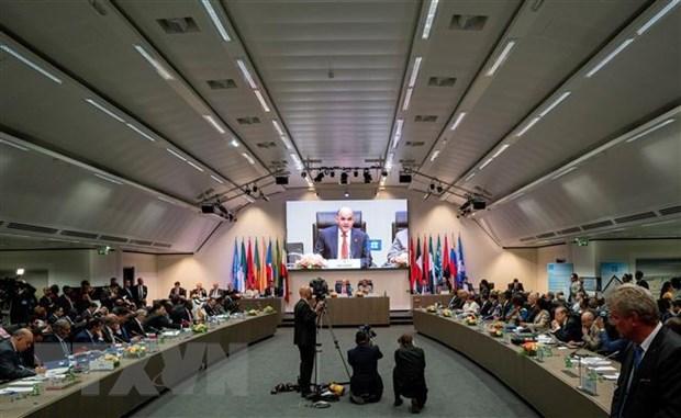 OPEC co the giam nguon cung sau hon khi trien vong nam 2020 yeu di hinh anh 1