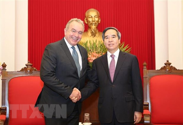 Truong Ban Kinh te TW Nguyen Van Binh tiep Doan doanh nghiep Hoa Ky hinh anh 1