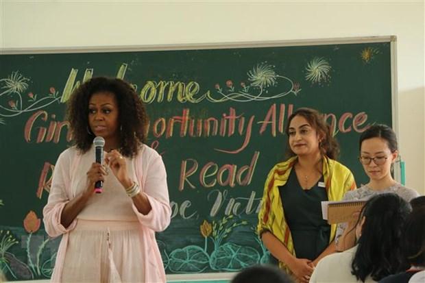 Long An: Cuu de nhat phu nhan Michelle Obama tham THPT Can Giuoc hinh anh 1