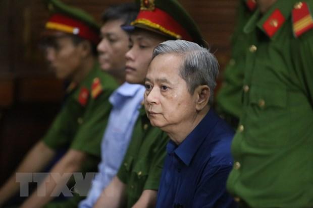 Xet xu nguyen Pho Chu tich UBND TP.HCM Nguyen Huu Tin va dong pham hinh anh 1