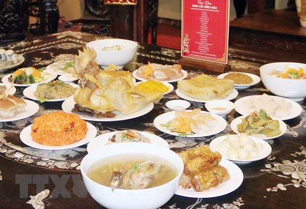 (29-33)- Kiều bào ấn tượng với ẩm thực truyền thống ngày Tết dân tộc