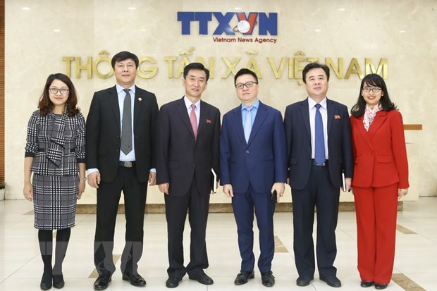 Pho Tong Giam doc TTXVN tiep Dai bien lam thoi CHDCND Trieu Tien hinh anh 2
