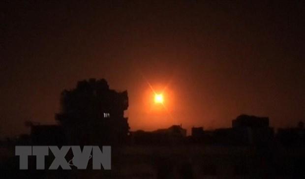 Israel tien hanh khong kich cac muc tieu tai Syria va Gaza hinh anh 1