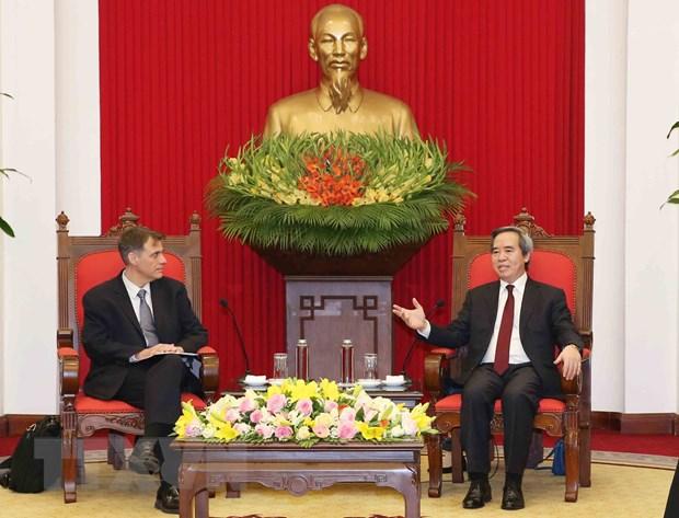 Truong Ban Kinh te TW tiep Pho Tro ly Bo truong Tai chinh Hoa Ky hinh anh 1