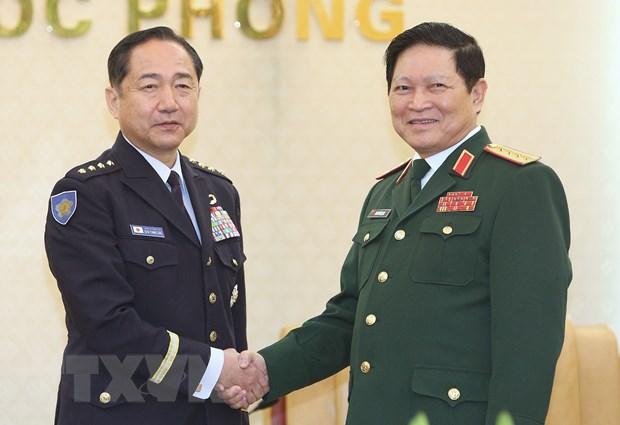 Tham muu truong Lien quan Nhat Ban tham chinh thuc Viet Nam hinh anh 1