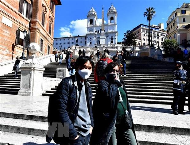 Italy: Than trong tro lai cuoc song thuong nhat sau 5 tuan phong toa hinh anh 1