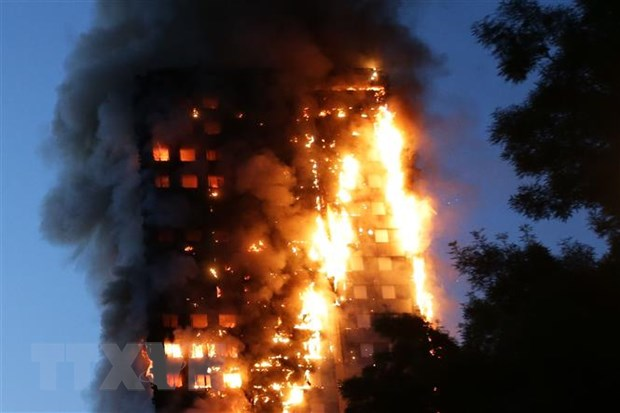 Anh tuong niem 3 nam vu chay toa nha Grenfell Tower hinh anh 1