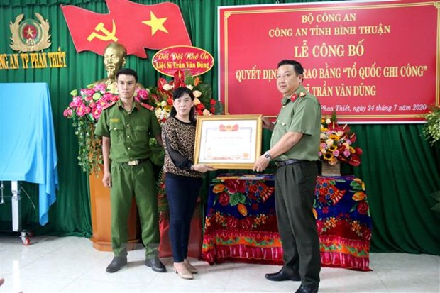 To chuc tri an cac anh hung liet sy, thuong binh, nguoi co cong hinh anh 1