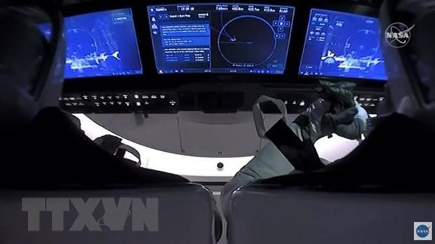 My: Cac phi hanh gia NASA da tro ve Trai Dat tu ISS hinh anh 1