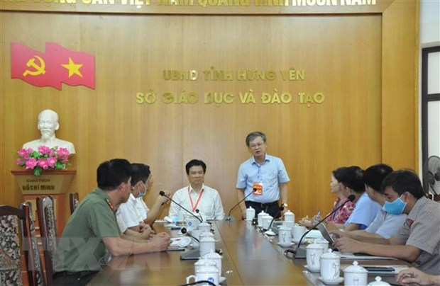 Thu truong Nguyen Huu Do kiem tra cong tac to chuc thi tai Hung Yen hinh anh 1